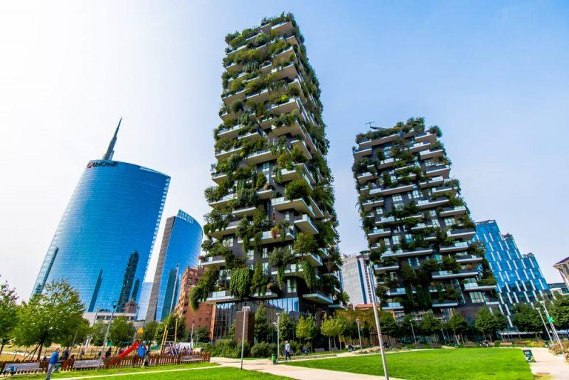 milano 2030 _ bosco verticale e unicredit tower