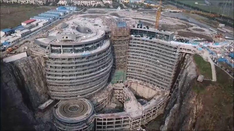 hotel di lusso realizzato in una cava