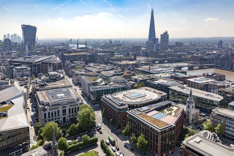 Immagine a colori che mostra una veduta panoramica della City di Londra nella quale è visibile il Palazzo del Financial Times